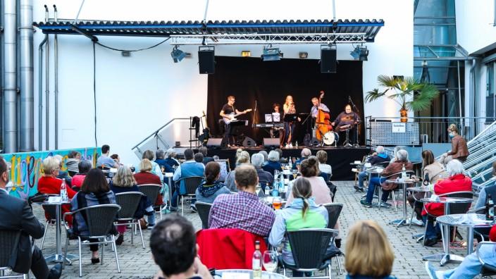 GERMERING:  Konzert Jazzband ROOM TO MOVE
