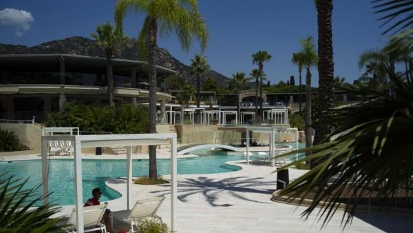 Forte Village, Luxusresort, Pula Cagliari, Sardinien. Im Bild: Poolareal 24.-26.07.2020 *** Forte Village, luxury resor