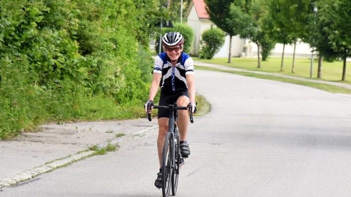 Gröbenzell: Manfred Schwarz ist Mitglied des Radlgruppe beim FC Puchheim und bewältigt auch seinen Alltag fast komplett ohne Auto.