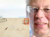 Briefmarken: Lecken, stempeln, sammeln