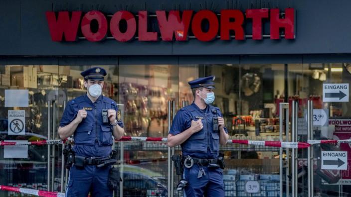 Ermittlungen nach Messerangriff: In diesem Kaufhaus in Würzburg begann die Attacke.