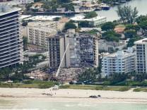 """Hauseinsturz in Florida: """"In den USA fallen Gebäude doch nicht einfach in sich zusammen"""""""