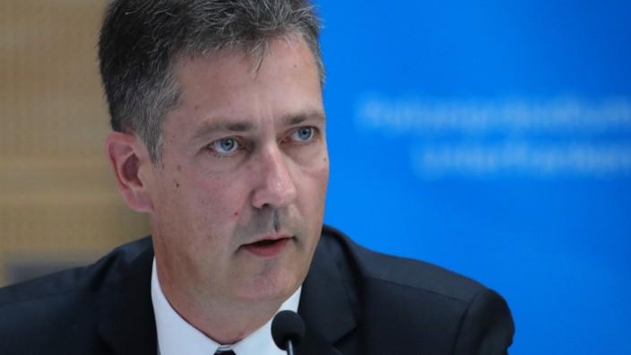 Offener Brief: Würzburgs Oberbürgermeister Christian Schuchardt hat sich von Augenzeugen über die Bilder des Schreckens und Grauens informieren lassen.