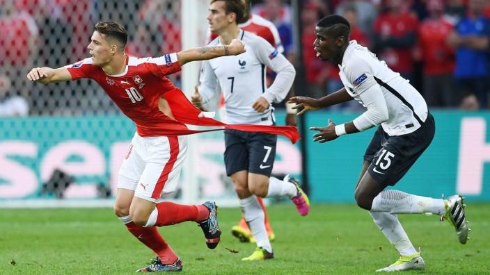 FUSSBALL EURO 2016 GRUPPE A IN LILLE Schweiz Frankreich 19 06 2016 Paul Pogba re Frankreich zer