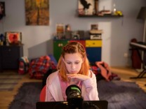 """Dokumentarfilm: """"Stört es dich nicht, dass ich erst zwölf bin?"""""""