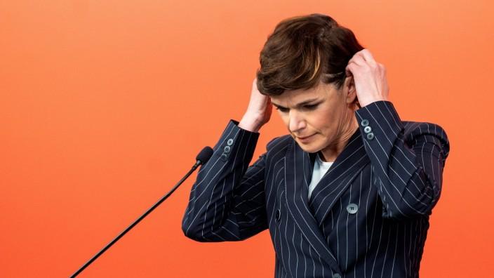 Nur 75 Prozent der Delegierten bestätigten SPÖ-Chefin Pamela Rendi-Wagner im Amt, Gegenkandidaten gab es nicht.