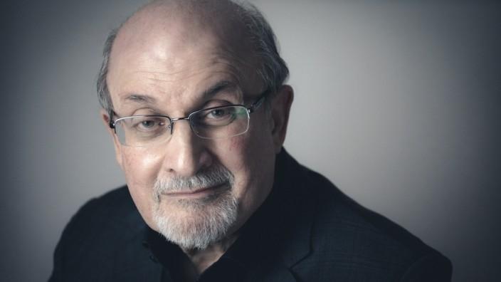 """Salman Rushdies Essayband """"Sprachen der Wahrheit"""": """"Wild fantastisch"""" und """"entschieden realistisch"""": der britische Schriftsteller und Essayist Salman Rushdie."""