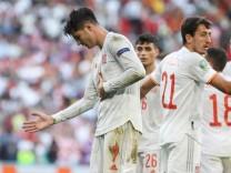 Spain s Alvaro Morata (L) celebrates after scoring the 3-4 lead during the UEFA EURO, EM, Europameisterschaft,Fussball
