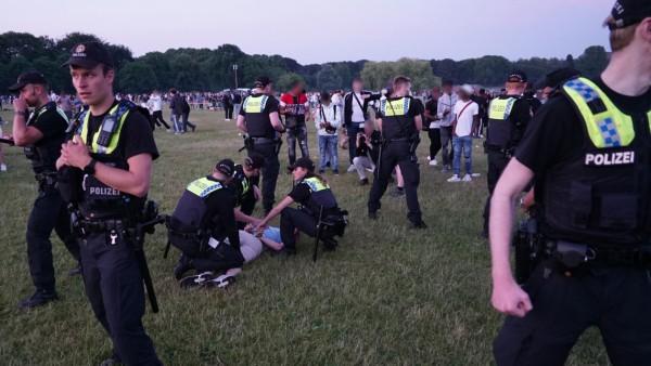 Polizeieinsatz im Hamburger Stadtpark