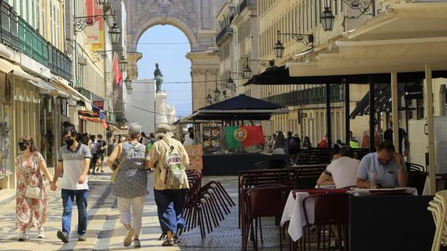 News Bilder des Tages June 26, 2021, Lisbon, Portugal: Intense movement in downtown Lisbon, where restaurants, cafes, p