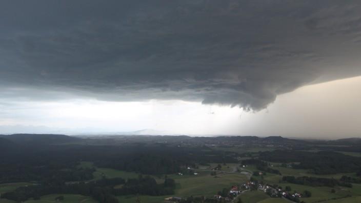 Unwetter in Starnberg am 21. Juni 2021 von der Webcam an der Wetterstation Hohenpeißenberg