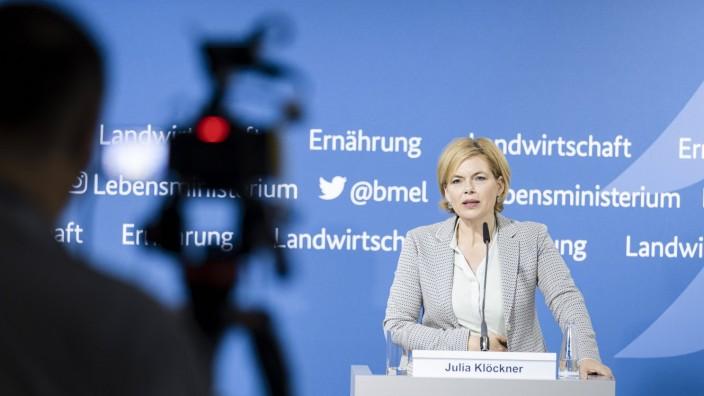 Bundeslandwirtschaftsministerin Julia Kloeckner, CDU, aufgenommen im Rahmen einer Pressekonferenz in Berlin. 30.06.2021.