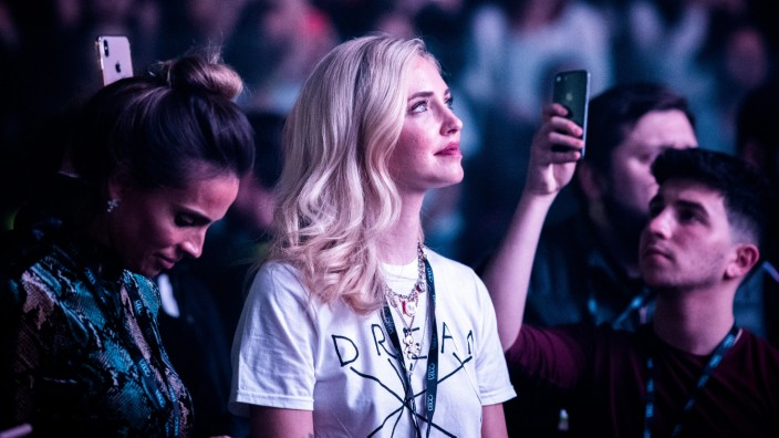 """Influencerin Chiara Ferragni: """"Ich wollte nicht berühmt werden"""", hat Chiara Ferragni mal gesagt. Geklappt hat das nicht. Auch bei Konzerten ihres Mannes, einem Rapper, wird sie fotografiert."""