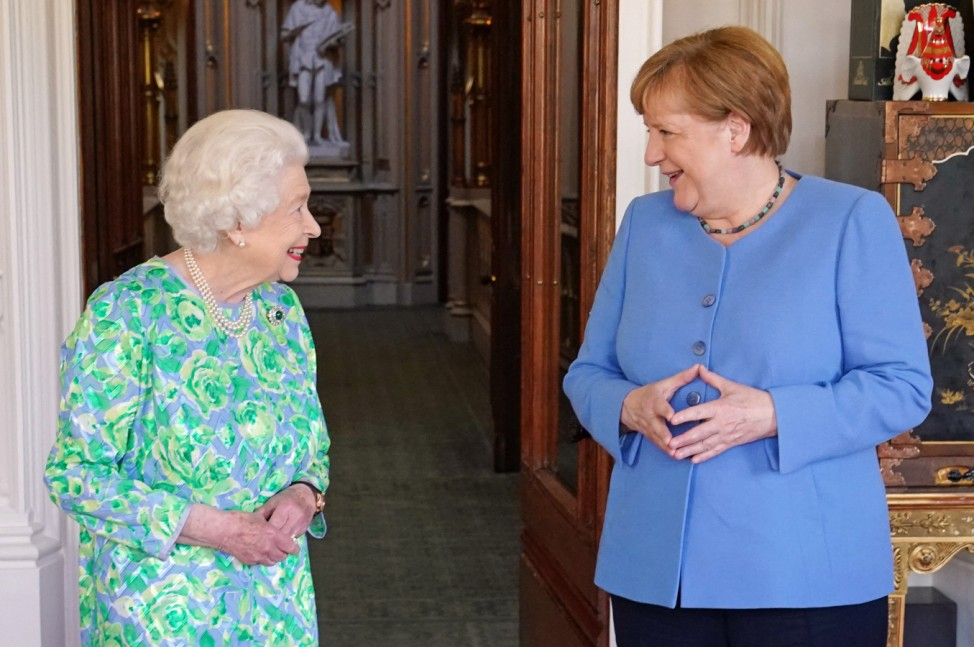 Angela Merkel trifft das letzte Mal als Bundeskanzlerin die britische Queen