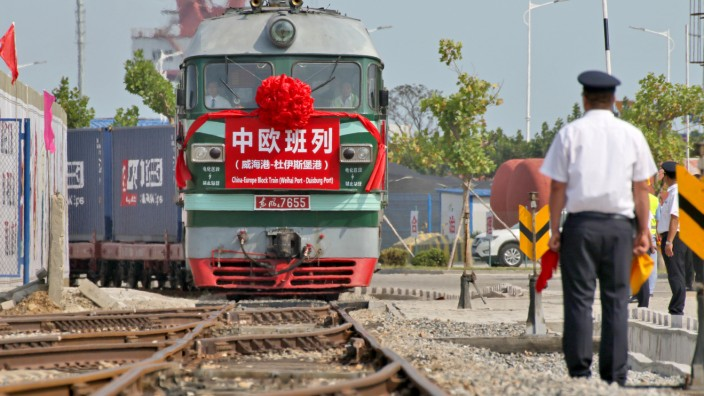 First direct freight train service linking east China, Duisburg launched