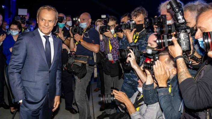 """Polen: """"Ich bin zurückgekehrt"""" - der 64-jährige frühere Ministerpräsident wurde von vielen Parteimitgliedern der liberalen PO sehnlich erwartet."""