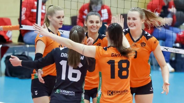 NawaRo Straubing (orange) vs. Rote Raben Vilsbiburg Straubing (Bayern/Deutschland) Volleyball Frauen, 1. Bundesliga, Sai