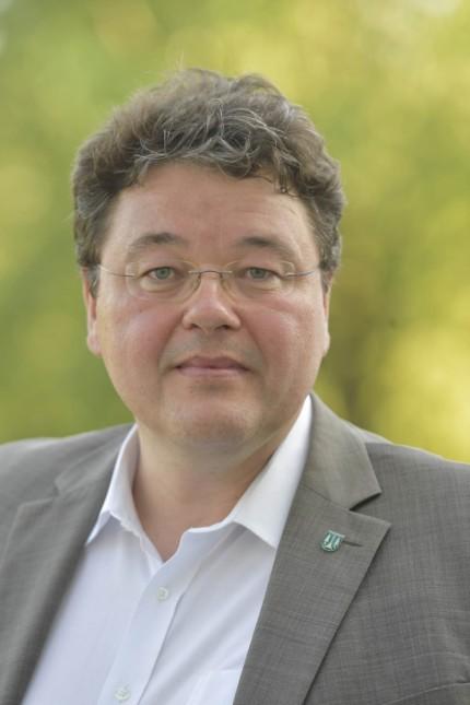Flüchtlingsunterkunft in Ottobrunn: Bürgermeister Thomas Loderer hat auf eine städtebauliche Aufwertung an der Rosenheimer Landstraße gehofft.