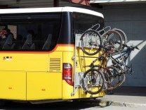 Foto Manuel Geisser 10.09.2020 Postauto mit Velomitnahme Velotransport *** Photo Manuel Geisser 10 09 2020 Postbus with