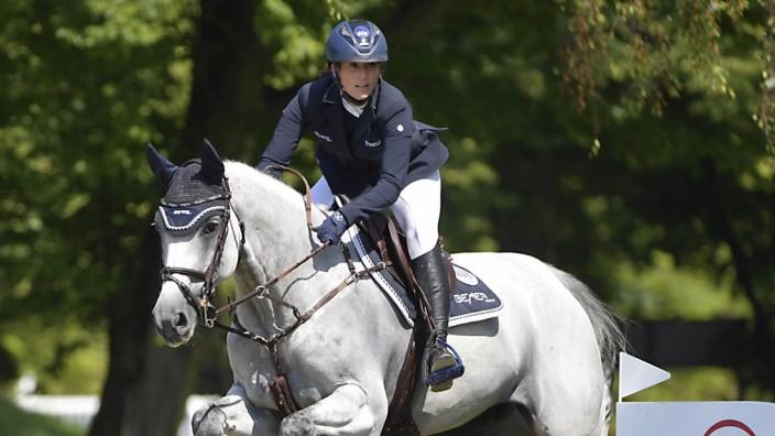 Reitsport: Auseinandergerissen: Simone Blum wird künftig nicht mehr auf Cool Hill reiten, wie hier 2020 in München.