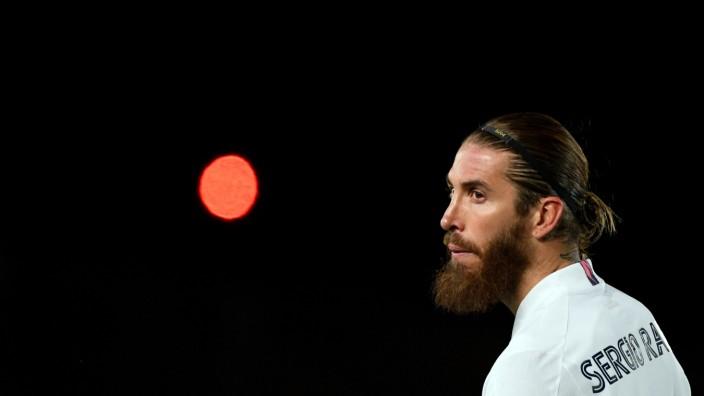Sergio Ramos: Nach 671 Partien und 101 Toren für Real Madrid wagt Sergio Ramos noch mal was Neues: Der 35-jährige ehemalige spanische Nationalspieler hat einen Vertrag bis 2023 in Paris unterschrieben.