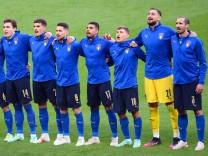 Italy v Spain - UEFA EURO, EM, Europameisterschaft,Fussball 2020 - Semi Final - Wembley Stadium Italy s sing the Nationa; x