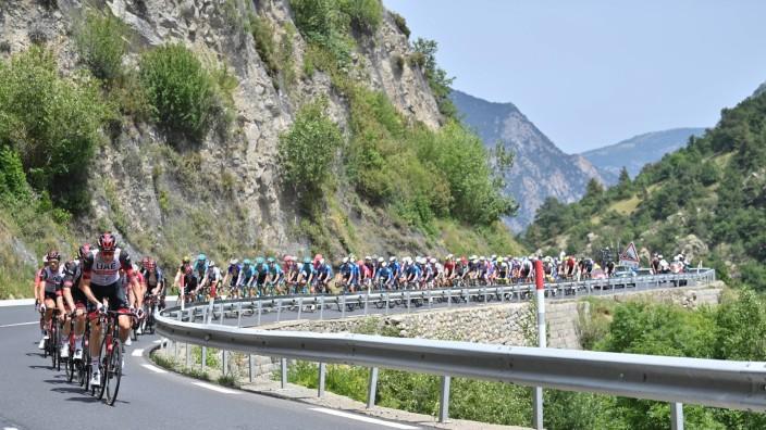 Tour de France: Das Peloton auf dem Weg nach Andorra