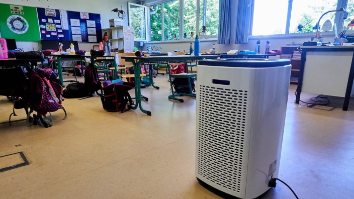 Luftfilter mobil in Schule