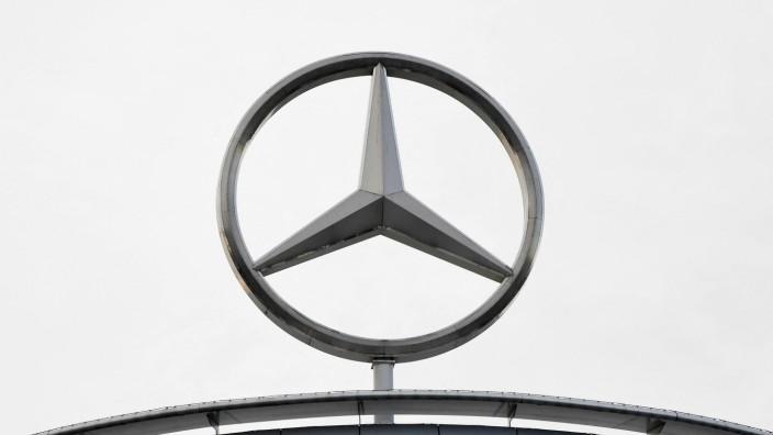 Urteil: Mercedes-Fahrer, deren Auto mit einem sogenannten Thermofenster arbeitet, erhalten keinen Anspruch auf Schadenersatz.