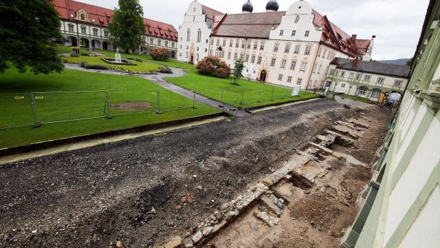 Kloster Benediktbeuern historische Mauern