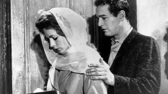 THE HUSTLER, from left, Piper Laurie, Paul Newman, 1961, TM & Copyright 20th Century Fox Film Corp. All rights reserved.; The Hustler