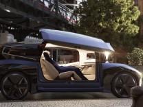 kostenfreies Handout, Volkswagen, autonomes Konzeptfahrzeug bzw. Roboterauto