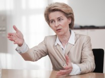 Bundesverteidigungsministerin Ursula von der Leyen CDU im Interview Berlin 17 01 2019 Berlin