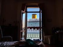 Tourismus Ferien Reisen Italien Venedig 27.06.2021, Reisen Italien, Venetien, Venedig: Blick aus dem Hotelzimmer auf die