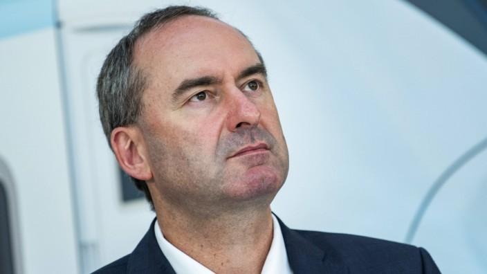 Hubert Aiwanger (Freie Waehler, Bayerischer Staatsminister für Wirtschaft, Landesentwicklung und Energie) / Pressekonfer