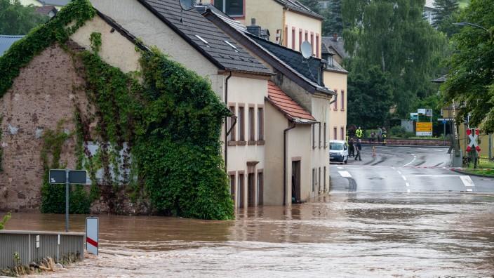 Starkregen und Hochwasser: Diese Versicherung deckt die Schäden