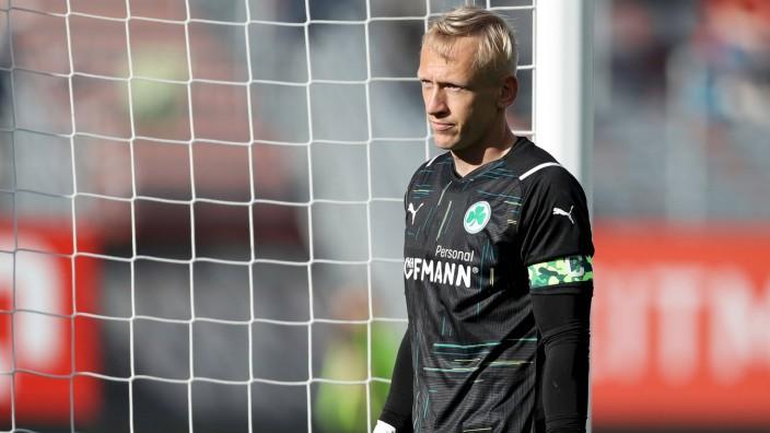 Freundschaftsspiele; FC Wuerzburger Kickers - SpVgg Greuther Fuerth; 14.07.2021 Sascha Burchert ( 30, SpVgg Greuther Fu