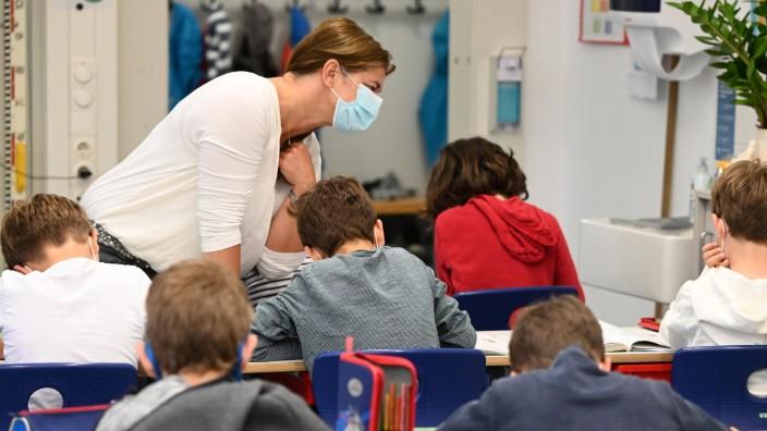 Schnupfen, Husten, Streptokokken: Unterricht in Pandemie-Zeiten an der Grundschule an der Klenzestrasse (Symbolbild)