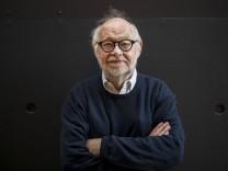 Der Theaterregisseur Juergen Flimm am Samstagmorgen 22 06 19 im Dortmunder Konzerthaus nach seiner