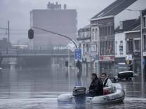 """Unwetter in Benelux: """"Besonders klein und verletzlich"""""""