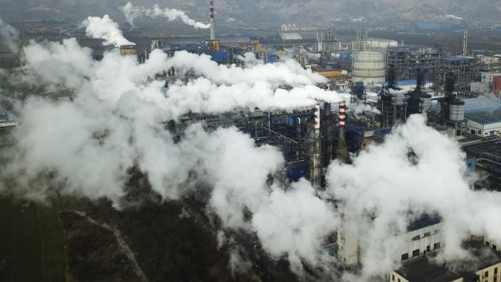 Klima: Kohlekraftwerk in der Stadt Hejin: Nach 2030 sollen Chinas Kohlendioxidemission sinken.