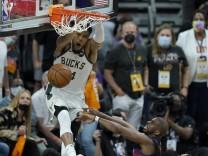 Phoenix Suns - Milwaukee Bucks