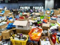 Hochwasser und Spenden: Lieber Geld überweisen als Kleider spenden