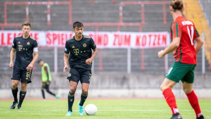 Oliver Batista Meier 7 (FC Bayern II), Christian Koeppel 11 (FC Augsburg II), FC Augsburg II vs. FC Bayern II, Regionall