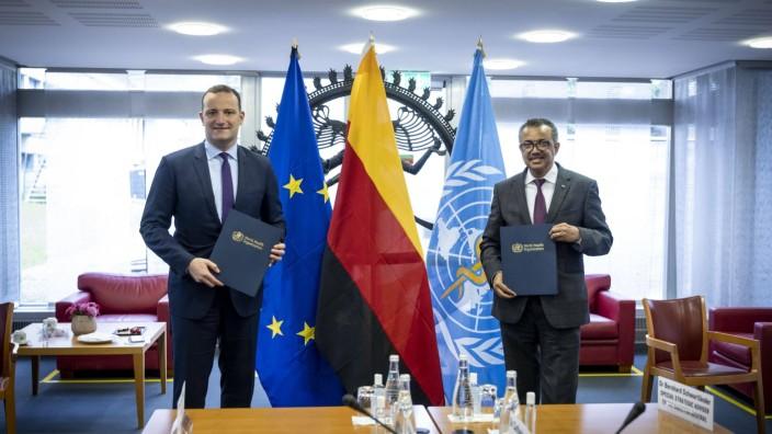 Bundesgesundheitsminister Jens Spahn, CDU, reist nach Genf zur WHO und trifft dort den Generaldirektor Tedros Adhanom Gh