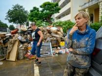 Hochwasser in NRW und Rheinland-Pfalz: Hätte die Katastrophe verhindert werden können?