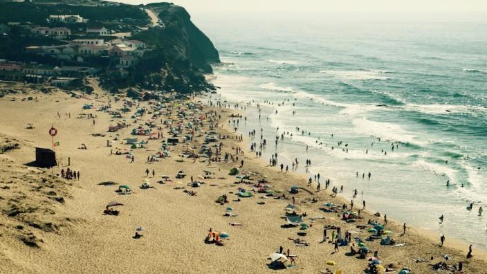 Tourismus: Als Portugal im Juni Virusvariantengebiet wurde, stornierten deutsche Urlauber.