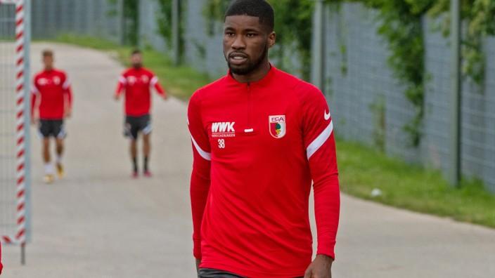 Trainingsauftakt FC Augsburg - Kevin Danso