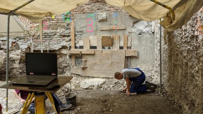 Das Grabungsgelände in der Hochbrückenstraße: Archäologen haben einen neuen historischen Siedlungskern in München entdeckt.