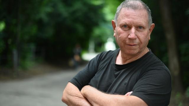 Profi-Fußball: Der Mann mit dem Herzblutausweis: Die Mitgliedsnummer von Harald Belzig lautete 854. Eine dreistellige Mitgliedsnummer beim FC Bayern - das ist etwas, was sich Hunderttausende andere wünschen.
